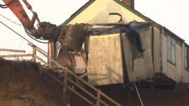 Demolition of Happisburgh bungalow