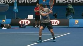 Video feature - Andy Murray prepares in Melbourne heat