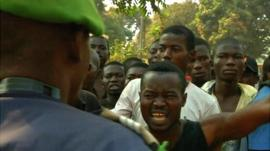 African Union troops with angry crowd in Bangui