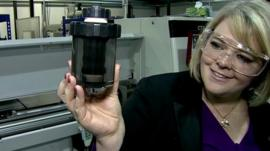 Rebecca Howard demonstrates product