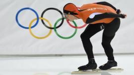 Jorrit Bergsma sets an Olympic record