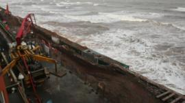 Railway next to sea wall at Dawlish