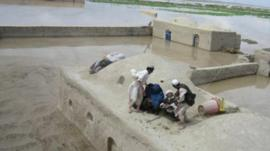 Afghan houses in Jowzjan province submerged by floods