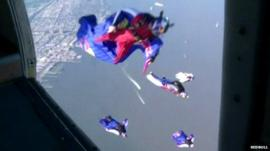 Wingsuit flyers