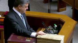 Petro Poroshenko is sworn in as president of Ukraine