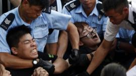 Police arrest protestors