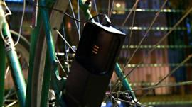 Siva Cycle Atom - a usb charger powered by pedalling