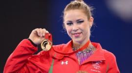 Frankie Jones takes gold in the ribbon final