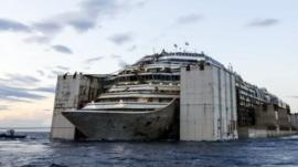 Costa Concordia towed to Genoa