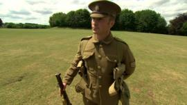 WW1 soldier uniform