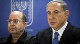 Israeli Prime Minister Benjamin Netanyahu (right)