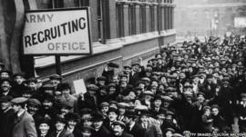 Recruitment queue in World War One