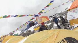 Everest base camp as the avalanche hit