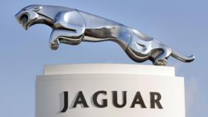 'Jaguar emblem' from the web at 'http://ichef-1.bbci.co.uk/news/304/cpsprodpb/D1C7/production/_86630735_jag1.jpg'