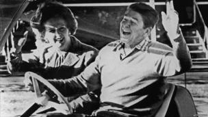 Ronald Reagan and Margaret Thatcher wave after their arrival in Camp David, 1984