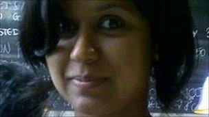 Image caption Graduate Vedita Cowaloosur says the process of applying for a student visa in a 'pain' - _48996897_48996898