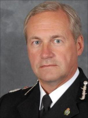 Chief Constable Paul West wanted to remain in post for a further year - _51965633_paulwest_08_11