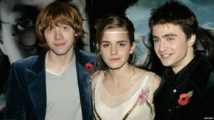 Actors Rupert Grint, Emma Watson and Daniel Radcliffe arrive at the World Premiere of Harry Potter And The Goblet Of Fire at the Odeon Leicester Square on November 6, 2005 in London