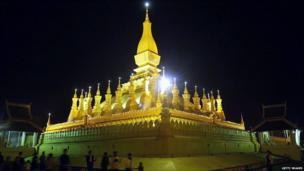 Thatluang shrine, Vientiane, at night