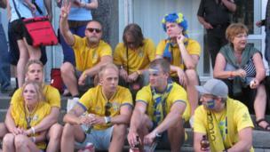 Swedish fans take a well deserved break