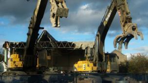 Johnstone swimming pool being demolished
