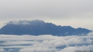 This picture of Mount Kinabula