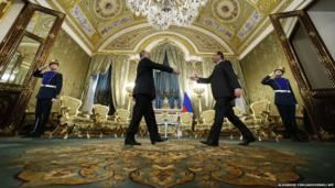 Francois Hollande and Vladimir Putin