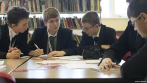 Mossland students prepare questions.