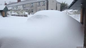 Snow in Bwlchgwyn, Wrexham