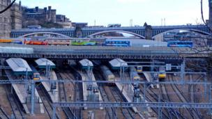 Trains and buses in Edinburgh