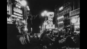 Piccadilly Circus, 1953
