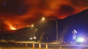 The Pacific Coast Highway is closed due to approaching wildfires near Los Angeles, California (2 May 2013)