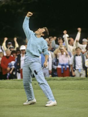 Australian Corinne Dibnah celebrates her victory at the Women's British Open Championship