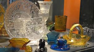 Glass artefacts