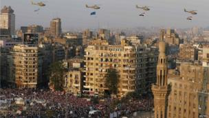 Army helicopters over Tahrir Square (4 July 2013)
