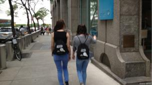 Holly and Lauren on their way to New York
