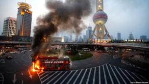 Bus on fire in Shanghai