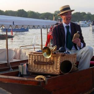 An actor taking part in the Henley Festival