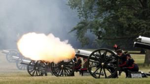 The King's Troop Royal Horse Artillery fire a 41 Gun Royal Salute to mark the birth of the royal baby, in Green Park in central London July 23, 2013.