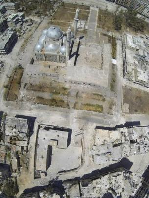 A handout image released by the Syrian opposition's Shaam News Network on 29 July 2013 purportedly shows an aerial view of the Khalid bin Walid mosque and mausoleum in Khalidiya, Homs