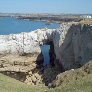Bwa Gwyn, or the White Arch,