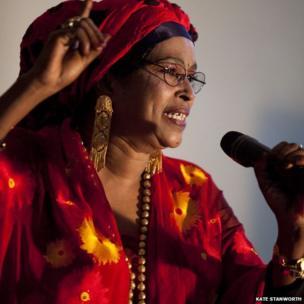 Well known Somali musician Ruun Xaddi performing - Hargeisa, Somaliland