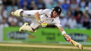 England's Ian Bell is run out despite diving for his ground