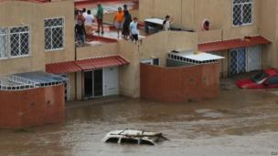 Residents wait for help in Acapulco