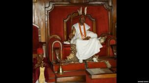 Alfred Nnaemeka Achebe, Obi of Onitsha