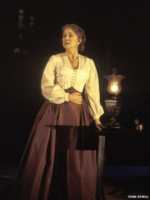 Helen Mirren in Mourning Becomes Electra