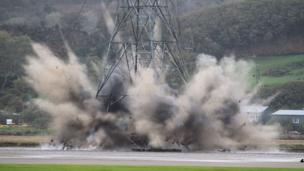Pylon demolition