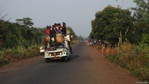 A vehicle loaded with people on a road in the Central African Republic - February 2014