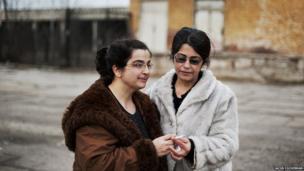 Kulstan Kalo and her sister, Teshkitaf Abdalbaki