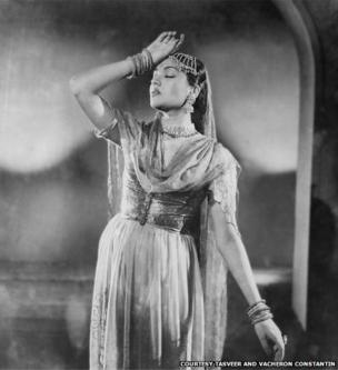 Actress Vyjayanthimala playing Beena in the film Pehli Jhalak, 1955